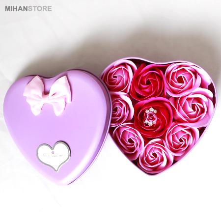 پکیج کادویی انگشتر و گل عطری طرح Love